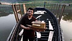 যুক্তরাজ্যে 'আর্থ হিরো' খেতাব পেলেন ভাসমান স্কুলের...